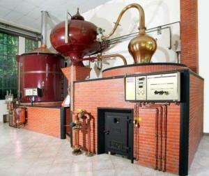 Destillation im Schloss Château du Breuil